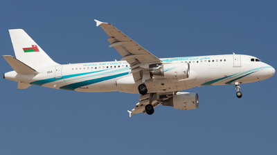 554 - Airbus A320-214(CJ) Prestige - Oman - Royal Air Force