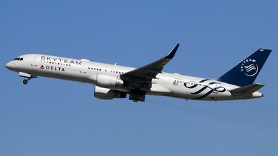 N717TW - Boeing 757-231 - Delta Air Lines