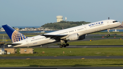 N547UA - Boeing 757-222 - United Airlines