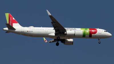 A picture of CSTXC - Airbus A321251NX - TAP Air Portugal - © Sander in West-Africa