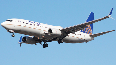 A picture of N76526 - Boeing 737824 - United Airlines - © Nate Morin