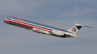 N9617R - McDonnell Douglas MD-83 - American Airlines