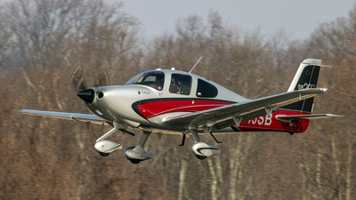 A picture of N143SB - Cirrus SR20 - [2219] - © Thomas P. McManus