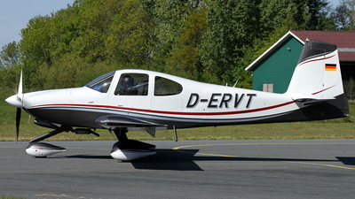 D-ERVT - Vans RV-10 - Private