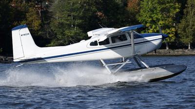 N7933V - Cessna 180H Skywagon - Private