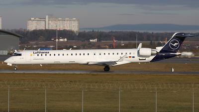 A picture of DACNW - Mitsubishi CRJ900LR - Lufthansa - © Frank Specker