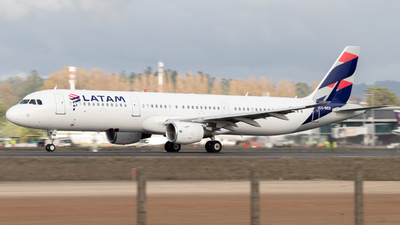 CC-BED - Airbus A321-211 - LATAM Airlines