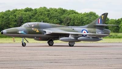 XL565 - Hawker Hunter T.7 - Private