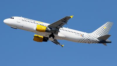 A picture of ECMUM - Airbus A320214 - Vueling - © Javier Rodriguez - Amics de Son Sant Joan