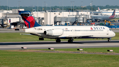 N922AT - Boeing 717-2BD - Delta Air Lines