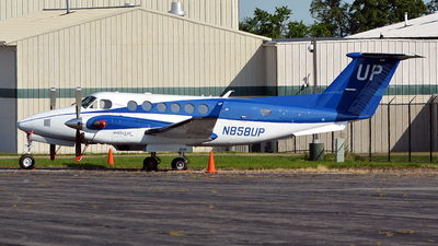 N858UP - Beechcraft B300 King Air 350C - Wheels Up