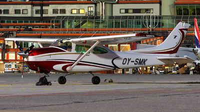 OY-SMK - Cessna TR182 Turbo Skylane RG - Private
