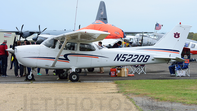 N52208 - Cessna 172S Skyhawk SP - Private