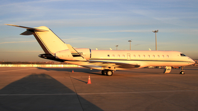 M-MMAA - Bombardier BD-700-1A10 Global Express - Private