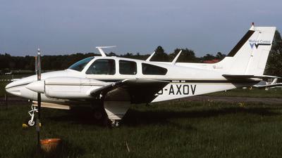 G-AXOV - Beechcraft 95-55 Baron - Watford Control