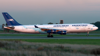 LV-ZRA - Airbus A340-211 - Aerolíneas Argentinas