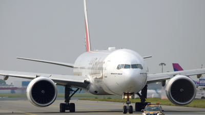 A6-ECZ - Boeing 777-31HER - Emirates