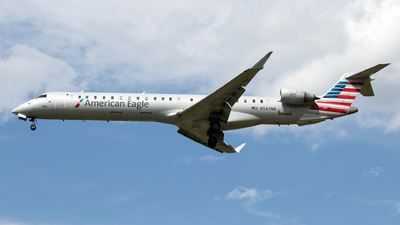 A picture of N547NN - Mitsubishi CRJ900LR - American Airlines - © Azillion 737