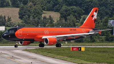 UR-DAK - Airbus A320-211 - Donbassaero