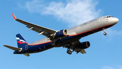 A picture of VPBAV - Airbus A321211 - Aeroflot - © Aleksandr Alekhichev