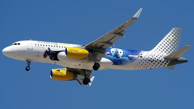 A picture of ECMYC - Airbus A320232 - Vueling - © Buzu
