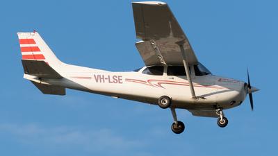 A picture of VHLSE - Cessna 172S Skyhawk SP - [172S9282] - © Ben Long