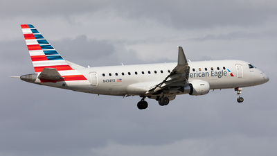 A picture of N434YX - Embraer E175LR - American Airlines - © Alexandre Fazan