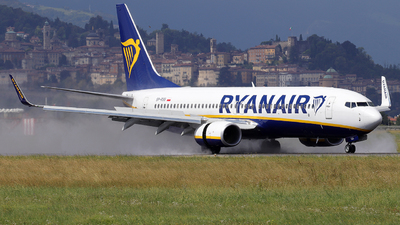 A picture of SPRSS - Boeing 7378AS - Ryanair - © Alberto Cucini