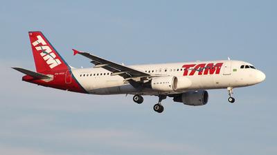 PR-MYK - Airbus A320-214 - TAM Linhas Aéreas