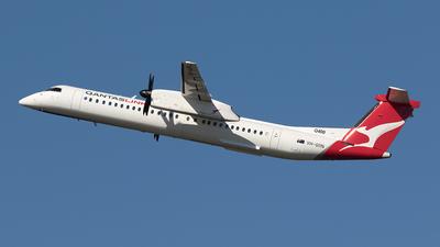 A picture of VHQON - De Havilland Canada Dash 8400 - QantasLink - © Tony Coles