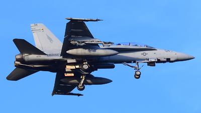 164735 - McDonnell Douglas F/A-18D Hornet - United States - US Marine Corps (USMC)