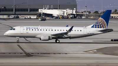 A picture of N154SY - Embraer E175LR - United Airlines - © David Lee