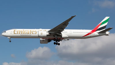 A6-EPZ - Boeing 777-31HER - Emirates