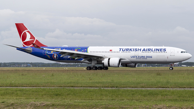 TC-JOH - Airbus A330-303 - Turkish Airlines