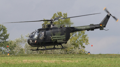 87-17 - MBB Bo105P1 - Germany - Army