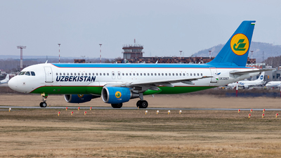 UK32017 - Airbus A320-214 - Uzbekistan Airways