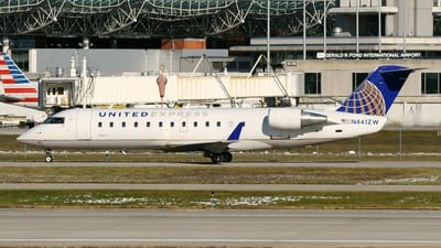 N441ZW - Bombardier CRJ-200ER - United Express (Air Wisconsin)