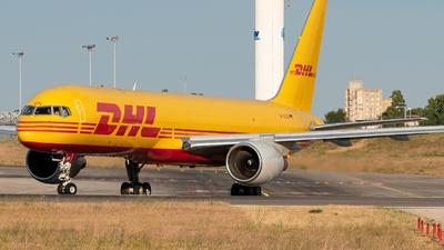 D-ALEN - Boeing 757-2Q8(PCF) - DHL (European Air Transport)