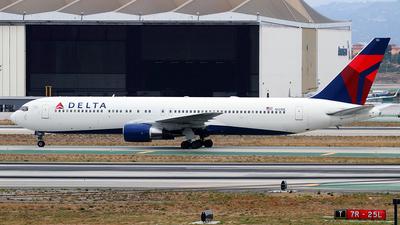 A picture of N121DE - Boeing 767332 - [23435] - © saidvazquez