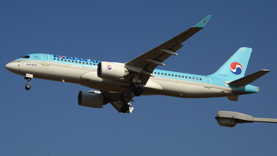 A picture of HL8311 - Airbus A220300 - Korean Air - © Yueh Cathay
