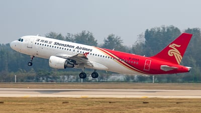 B-6568 - Airbus A320-214 - Shenzhen Airlines