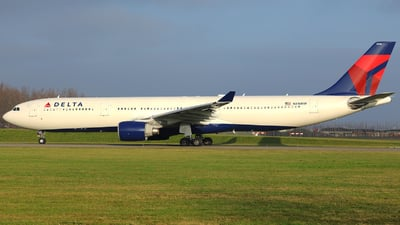 N816NW - Airbus A330-323 - Delta Air Lines
