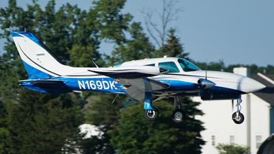 A picture of N169DK - Cessna 310R - [310R1412] - © SpotterPowwwiii