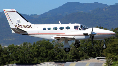 N425DR - Cessna 425 Conquest I - Private