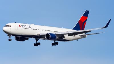A picture of N178DZ - Boeing 767332(ER) - Delta Air Lines - © Ksavspotter