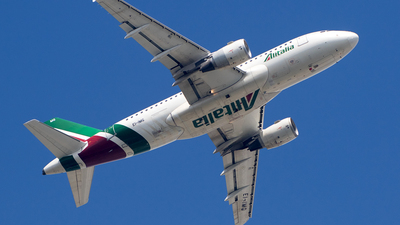 A picture of EIIMG - Airbus A319112 - Alitalia - © Chris Andrew Barker