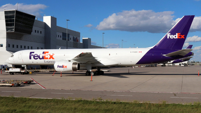 A picture of CFMEK - Boeing 7572B7(SF) - FedEx - © Guy Langlois