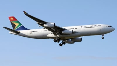 ZS-SLB - Airbus A340-211 - South African Airways
