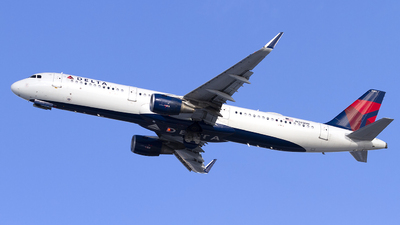 A picture of N303DN - Airbus A321211 - Delta Air Lines - © Jeremy D. Dando