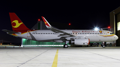 B-1052 - Airbus A320-214 - Tianjin Airlines